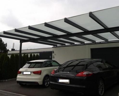 Moderne Carports aus Glas und Stahl von Hillerzeder aus Salzburg