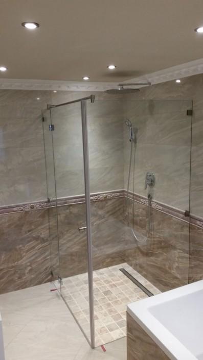Sicherheitsglas Dusche - Spezialanfertigung aus dem Hause Hillerzeder