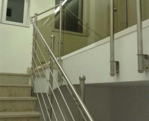 Stiegengeländer aus Stahl und Glas aus dem Hause Hillerzeder